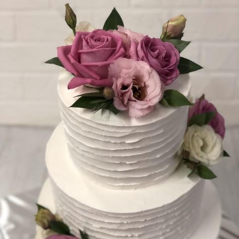 Торт з живими квітами