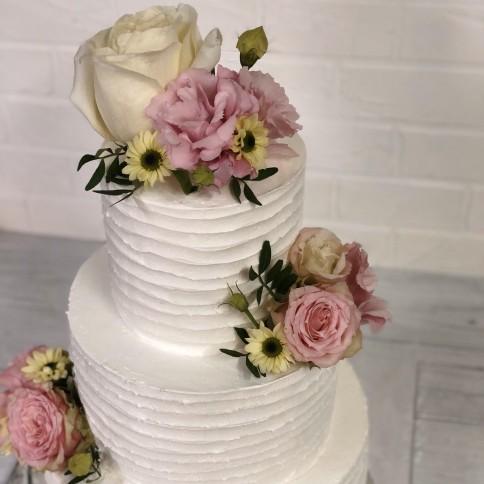 Торт з живими квітами №2